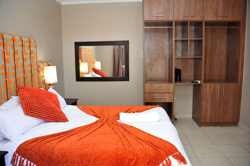 ROOMS-12-233-040