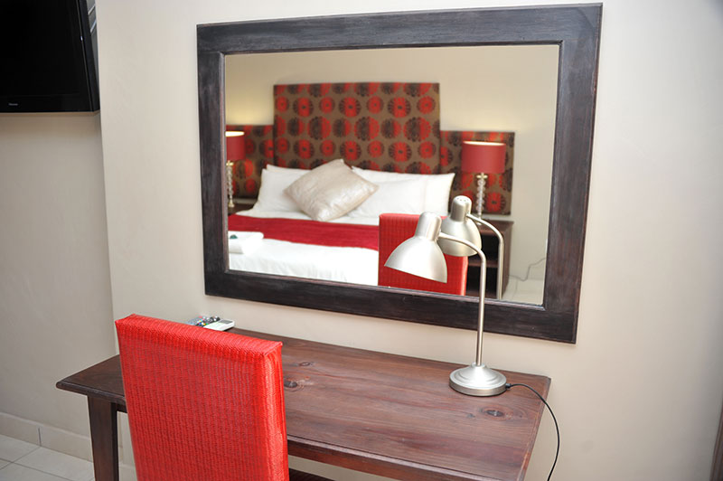ROOMS-12-233-047